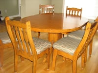 Solid oak Elran table and 6 chairs Ottawa