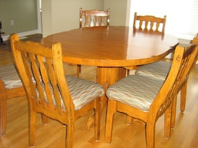 Solid oak Elran table and 6 chairs