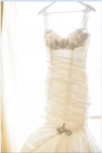 White Wedding Gown < 1 km