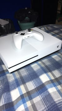 White xbox one console with controller Miller Place, 11764