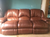 Brown leather 3-seat recliner sofa San Diego, 92107