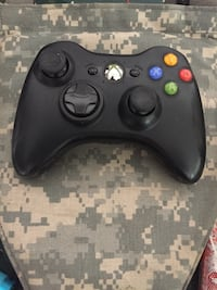 Black xbox 360 game controller Chattanooga, 37421