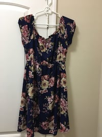 Floral maternity dress Los Angeles, 90094