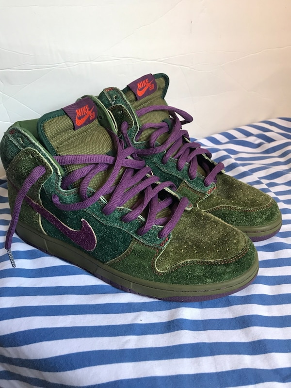new concept c5d6f da146 Used Nike SB Dunks Skunks Size 9.5 for sale in New York - letgo