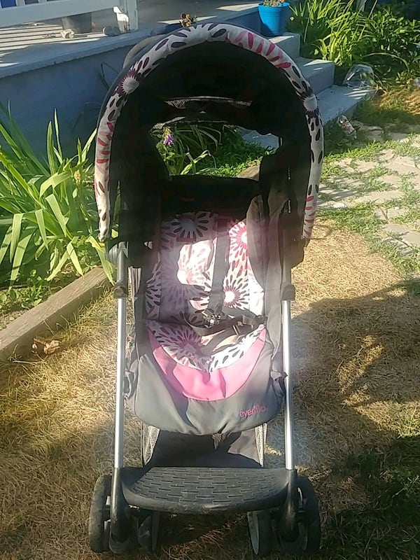 Girls Evenflo Stroller 0
