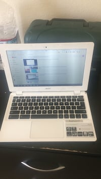 White and black hp laptop Surprise, 85379