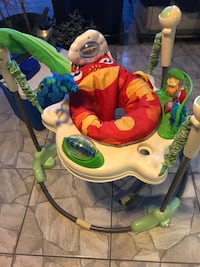 baby's white and green jumperoo Doral, 33172
