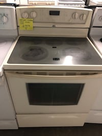 Whirlpool convection oven electric stove  Baltimore, 21223