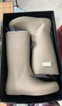 Woman's Moon boots for sale  Vaughan, L4J 7V6