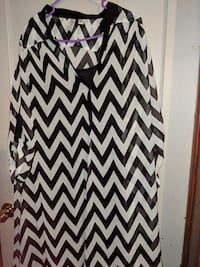 white and black chevron scoop-neck sleeveless dress Muscle Shoals, 35661