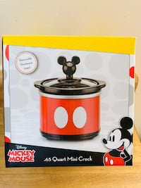 Brand new Disney mickey mouse .65 Quart mini crock(pick up only) Alexandria, 22315