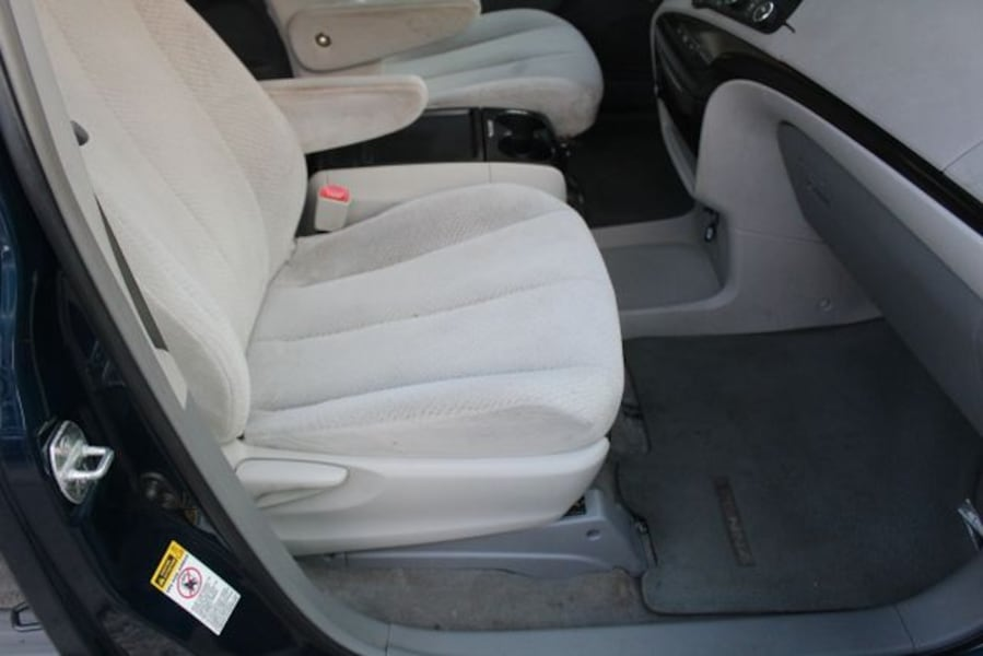 2011 Toyota Sienna for sale 10