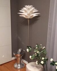Floor lamp from Wayfair 10/10 condition  Toronto, M2R 2L7