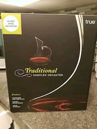 Glass wine decanter. New in box Edmonton, T5Y 1X4