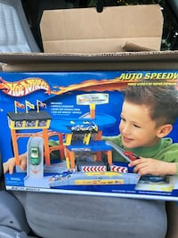 Nib 2002 hot wheels auto speedway Lincoln City, 97367