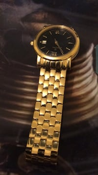Gold Bulova Watch  Toronto, M4M 2T8