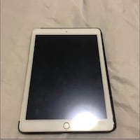 Apple iPad 32GB Toronto, M1G 3V9