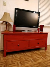 Solid wood TV stand/storage bench with 2 big drawe 33 km