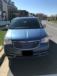 Chrysler - Town and Country - 2011 Clarksburg