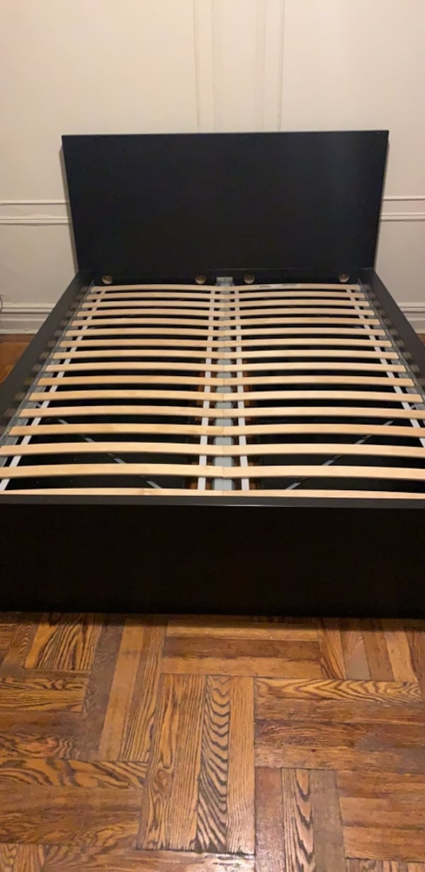 Bed  with  drawers for storage (Ikea) ae9bd782-6df6-4742-9326-ad7ac9c9366a