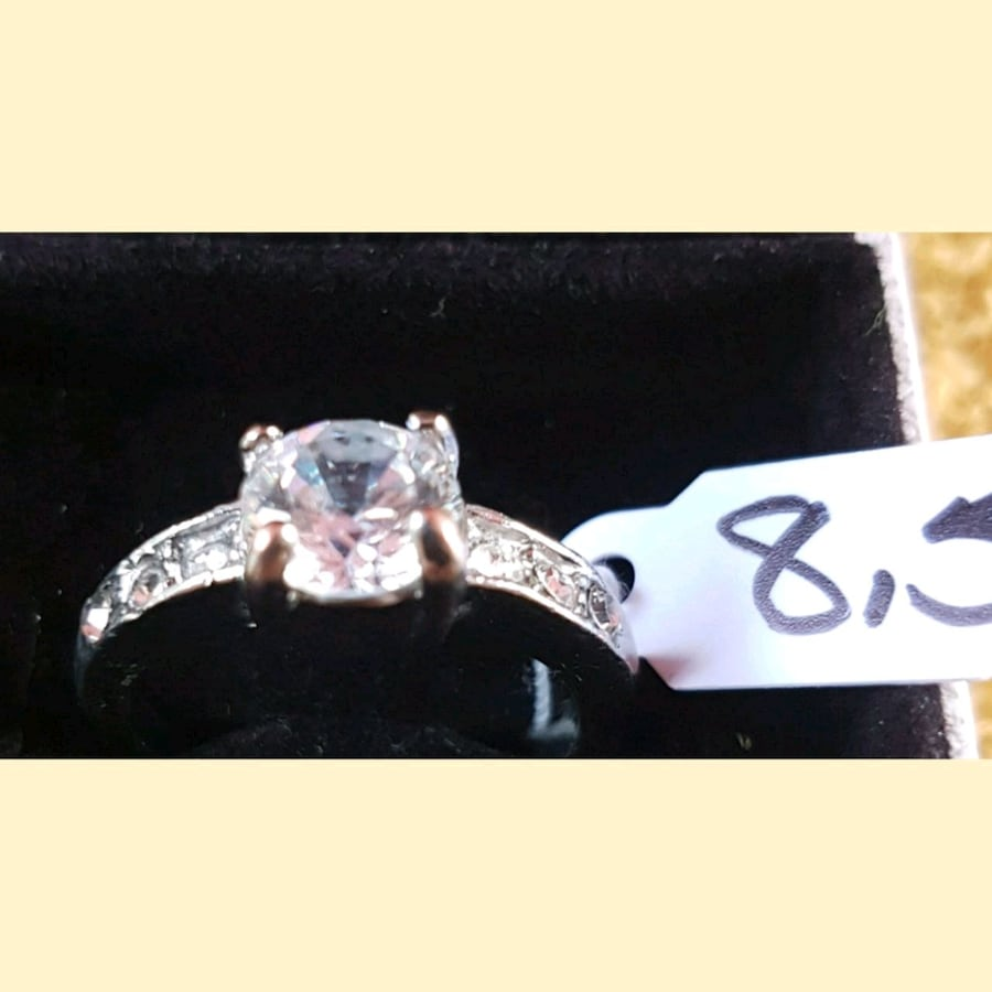 Gorgeous LS solitaire engagement ring