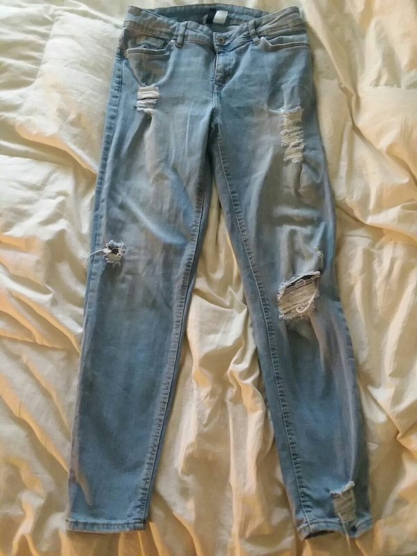 Divided Brand Blue Jeans size 34
