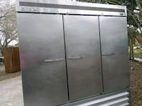 3 door refrigerator for restaurant