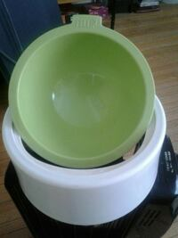 DOG ...WATER BOWL/ EX COND