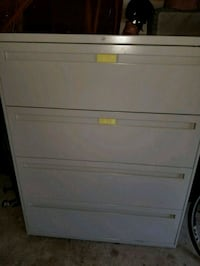 white wooden 4-drawer dresser Germantown, 20876