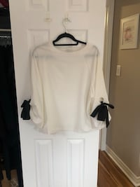 Beautiful White Blouse - Size S/M - NEVER WORN Pickering, L1V 1L8