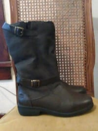 Womens boots Tote brand 9m Topeka, 66608