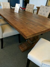 Solid wood dining table Vaughan, L4K 4V2