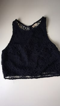 Navy floral sleeveless crop top, Size SMALL 26 km