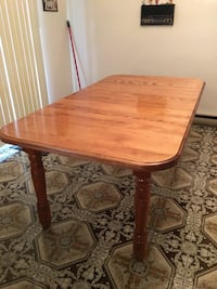 Solid Wood Table with 2 extensions  Montréal, H2B 2H8