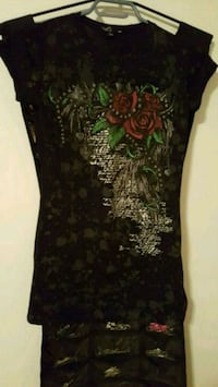 black and green floral scoop-neck cap sleeve shirt Calgary, T2B 0J2