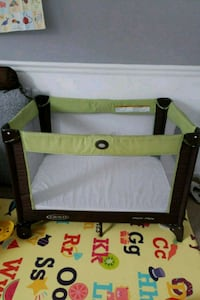 Graco pack n play playard, mattress sold separate 3 mi