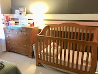 Crib and Dresser (nursery) Set Germantown, 20874