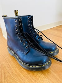 Dr. Martens 1460 8-Eye Boot W - Size 8