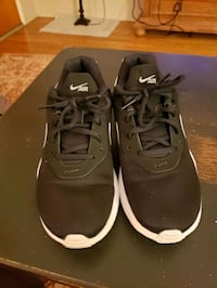 Nike Air Shoes Size 8.5