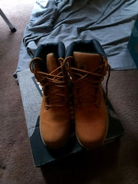 All leather upper boots  Middle River, 21220