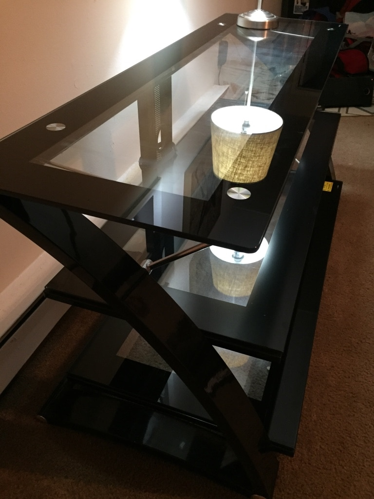 Photo 3 tier glass stand