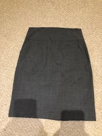 Banana Republic grey skirt women's size 2 Mississauga, L5K 1Z7