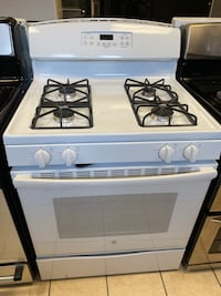 GE 4 Burner Gas Range with Self-Cleaning Oven