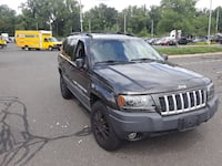black Jeep Grand Cherokee SUV SPRINGFIELD