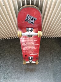 skateboard rouge Toulouse, 31300