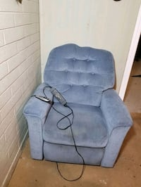 Recliner chair with lift  Glendale, 85306