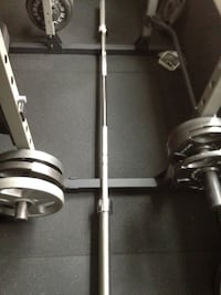7' Olympic barbell, 700lbs capacity