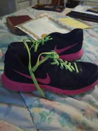 pair of black-and-pink running shoes Wichita, 67212