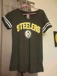 Pittsburgh Steelers vneck shirt. Size Small Spotsylvania Courthouse, 22553