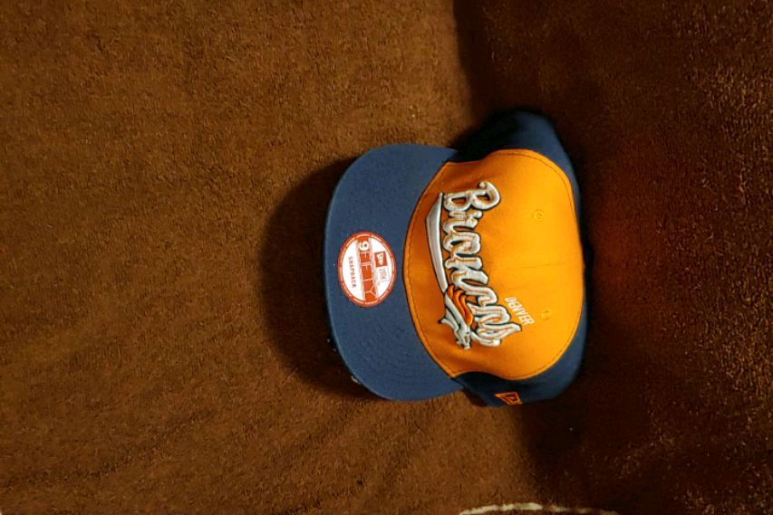 Photo Brand New Officially Licensed Denver Broncos hat